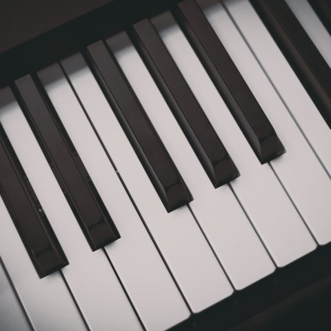black-and-white-keyboard-musical-instrument-258805